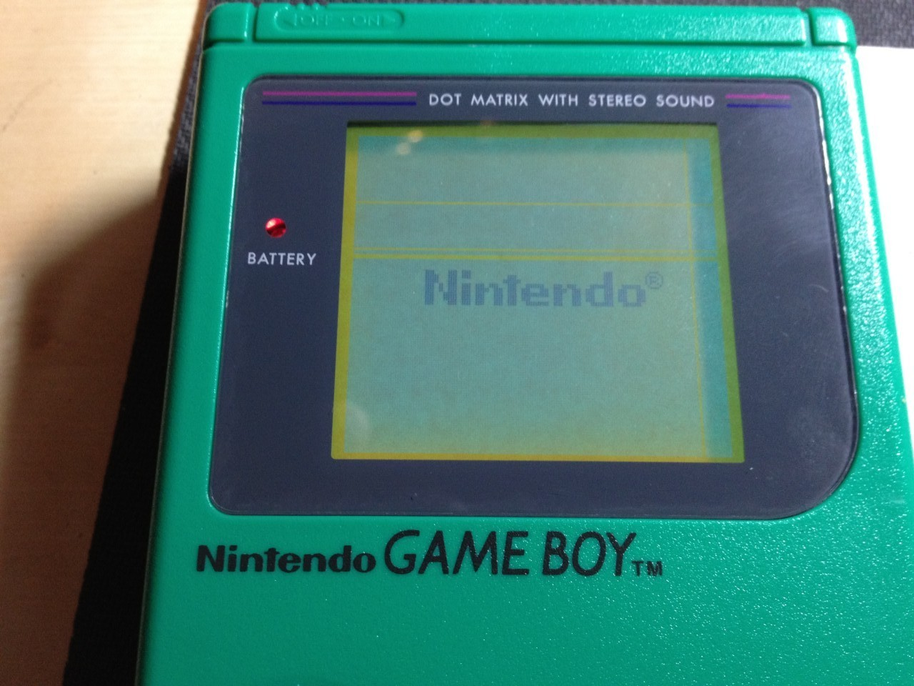 The finished gameboy booting